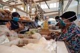 Semen Gresik ajak pedagang pasar di Rembang gunakan masker
