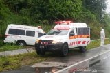 Ambulans bawa pasien COVID-19 kecelakaan