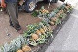 Stok kurang, picu kenaikan harga buah lokal di Kendari