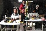 Penjahit warga Disabilitas Boyolali kebanjiran pesanan masker cegah COVID-19