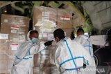 Pesawat Hercules TNI-AU angkut APD dari Singapura dan Kamboja
