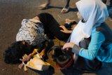 Aksi jambret HP di Lombok Timur, seorang mahasiswi dan adiknya usia 4 tahun terjatuh dari motor