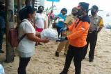 Wali Kota Manado serahkan bantuan warga terdampak COVID-19 di Pulau Bunaken
