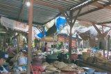 Pemkot menerapkan lapak berjarak di pasar tradisional cegah COVID-19