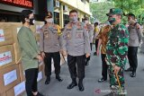 Kapolda Jateng sumbang  APD untuk 11 rumah sakit di Solo Raya