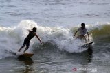 NGABUBURIT MAIN SURFING DI PADANG