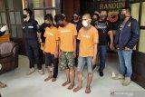 Aniaya lansia, dua pemuda ini ditangkap petugas
