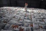Stok beras hingga akhir tahun diprediksikan sebesar 4,7 juta ton