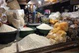 Stok bahan pangan di Yogyakarta cukup dan permintaan cenderung turun