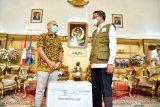 Gubernur Sulsel terima bantuan 100 paket APD dari PT Sampoerna Tbk