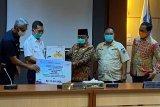 PT KAI Divre III Palembang salurkan 700 paket sembako bagi keluarga kurang mampu
