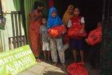 Jurnalis peduli kemanusiaan Sulsel salurkan sembako warga terdampak COVID-19