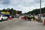 Hendak mudik melewati Mesuji Lampung, bus dan mobil pribadi dipaksa putar balik