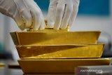 Percepatan kasus baru Corona picu harga emas sedikit berubah