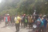 Ketua Komisi A DPRD Deiyai Papua ajak masyarakat berkebun di kampung