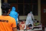 Polisi Banjarnegara datangi TKP perempuan meninggal di mes