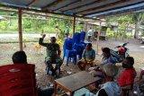 Babinsa Yapsel sosialisasikan cegah COVID-19 untuk warga kampung Manaini