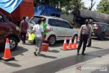 Polisi halau puluhan kendaraan pemudik di perbatasan Rejang Lebong-Kota Lubuklinggau