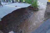 Jalur Trans Sulawesi di Poso  putus diterjang banjir