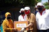 FTI UMI dan RIB bagikan 250 paket sembako di Makassar
