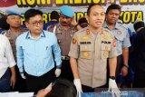 Polres Cirebon Kota menangkap dua pencuri modus pecah kaca