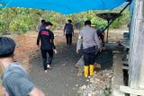 Polres Pasangkayu bangun dapur umum di lokasi banjir Desa Ompi