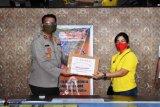 Polres Nabire terima bantuan APD COVID-19 dari komunitas WBI