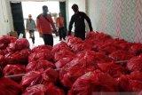 Palangka Raya distribusikan 7.500 paket bahan makanan