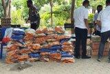 Polda NTT bagikan ribuan nasi bungkus melalui dapur umum