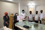 BNI Kantor Cabang Bukittinggi bagikan paket sembako kepada masyarakat Padang Panjang
