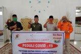 Incasi Raya Group Pasaman Barat salurkan APD dan sembako peduli COVID-19