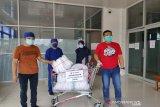 Telkomsel sumbang APD dan baju Hazmat di rumah sakit di Kendari