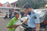 Rutan Baturaja bagikan 500 paket sembako untuk warga terdampak COVID-19