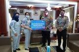 Cegah corona, Jasa Raharja Lampung serahkan wastafel portabel ke Ditlantas Polda Lampung