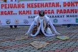 Aksi dukung petugas medis melawan COVID-19