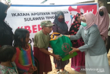 IAI Sulawesi Tenggara bagikan sembako kepada warga terdampak COVID-19 di Kendari