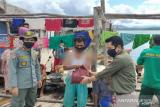BKSDA Sultra bagikan sembako pada warga kawasan konservasi di Konut