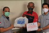 Serikat Pekerja Pertamina RU III Plaju salurkan 1.000 paket sembako