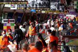 Di Swiss yang kaya, 1.000 orang lebih migran mengantre paket makanan gratis