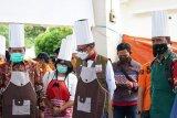 Dapur umum Posko COVID-19 Kabupaten Luwu sajikan menu buka puasa