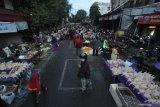 Penerapan jaga jarak di Pasar Banjarbaru Kalsel, pedagang senang