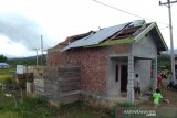 Angin puting beliung terjang belasan unit rumah di Rejang Lebong