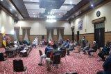 Pemkot Mataram mengevaluasi penanganan COVID-19 berbasis lingkungan
