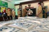 Pemkot Yogyakarta menggelar operasi pasar beras 5,55 ton di tiga kelurahan