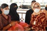 DWP Sulbar salurkan 500 paket bantuan kebutuhan pokok kepada PTT putus kontrak