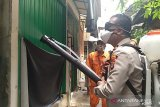 Puluhan jamaah musala di Tambora dievakuasi karena terpapar COVID-19