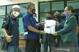 NasDem beri bantuan APD untuk Dokter-perawat di Sulteng