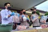 Empat pengedar daging babi serupai daging sapi diamankan di Kabupaten Bandung