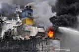 Korban tewas kebakaran kapal tanker di Belawan Sumut bertambah jadi lima orang