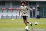 Para pemain Real Madrid menjalani latihan di fasilitas klub